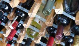 Jak vybrat nejlepší stojan na víno?